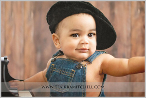 an image from a 6 month milestone portrait session with TeAirra Mitchell Photography